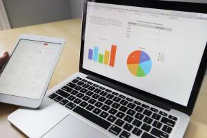 business_working_laptop_macbook_ipad_tablet_computer_desk-860214.jpg!d